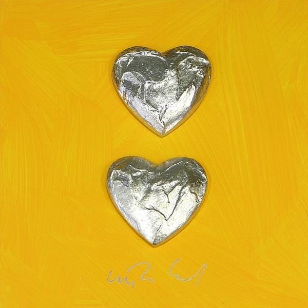 2 Herzen, Silber auf Gelb