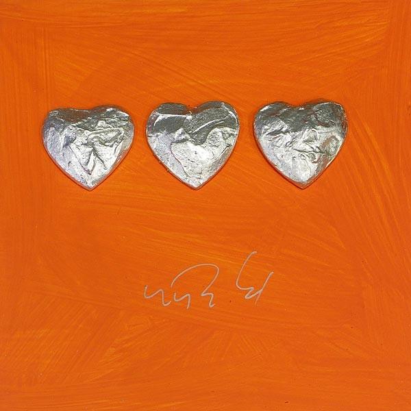 3 Herzen, Silber auf Orange